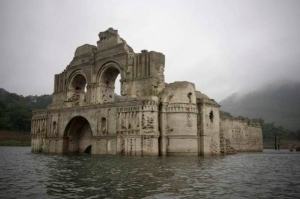 A forgotten 400-year old church has emerged from receding waters in Mexico